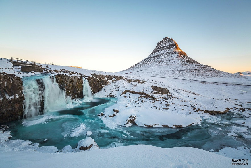 冰島三月教堂山
