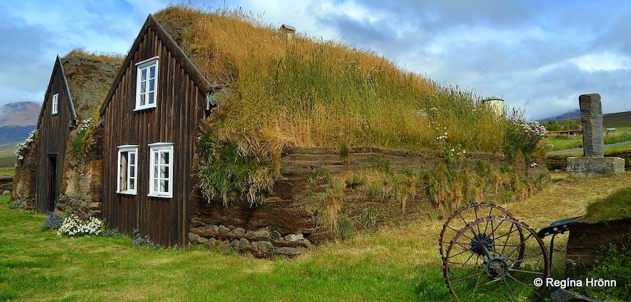 Stóru-Akrar turf house in North-Iceland