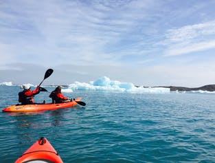 アイスランドでも特に美しいといわれるヨークルスアゥルロゥン氷河湖。