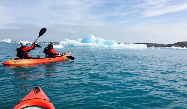 พายเรือคายัคในธารน้ำแข็งโจกุลซาลอน