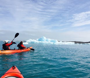 요쿨살론 빙하 호수에서 즐기는 카약 투어