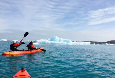Kayak dans la lagune de Jokulsarlon