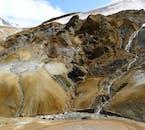 La actividad geotérmica y las rocas de lava proporcionan a las montañas Kerlingarfjöll en las tierras altas su aspecto de otro mundo