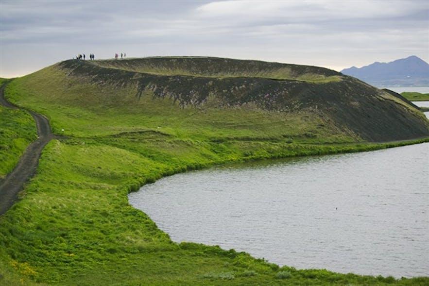 아이슬란드 북부 미바튼 호수 인근 스쿠튀스타다기가르 유사분화구