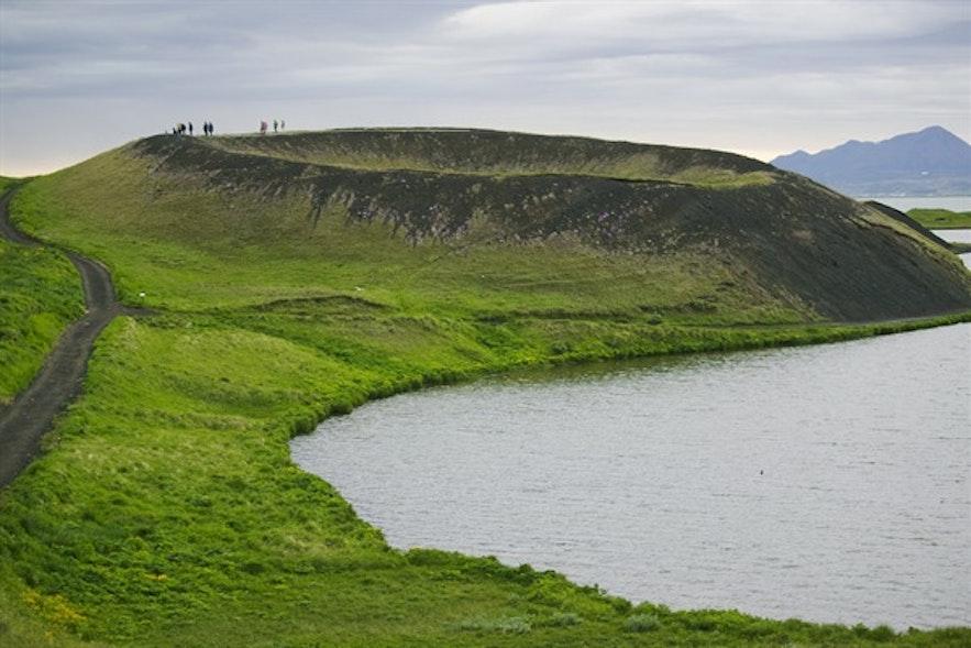 Pseudokrater Skútustaðagígar am See Mývatn in Nordisland