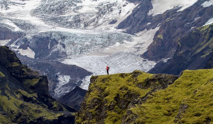 On the Laugavegur Trail, expect amazing views of the glaciers Vatnajökull, Mýrdalsjökull and Eyjafjallajökull.
