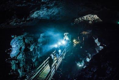 Exploration de la grotte de Vidgelmir (expert)