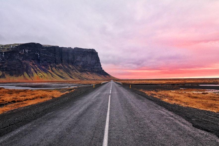 春天的冰岛,日照越来越长