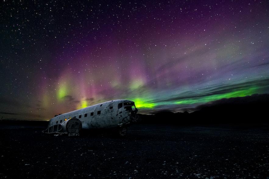 秋天已经可以在冰岛看到美丽的极光