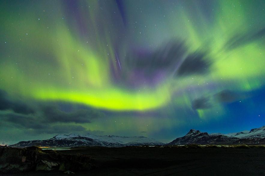 冰島四月極光