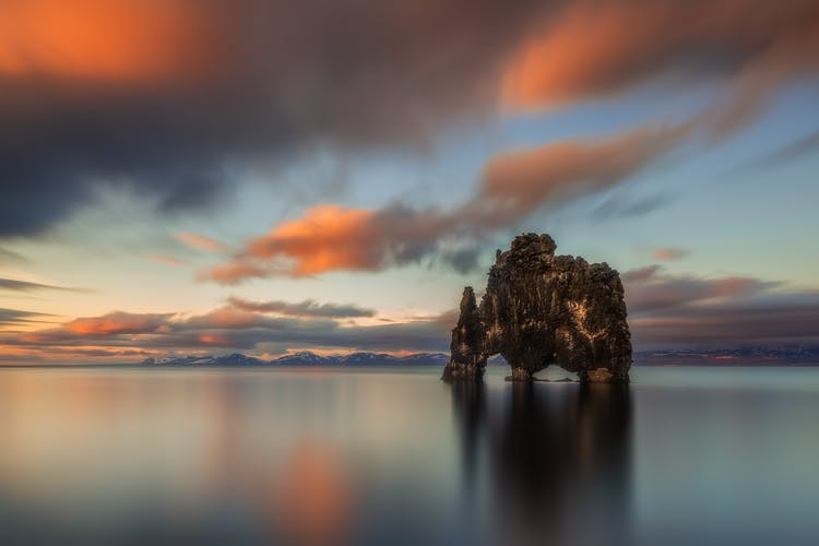 The many colours of the summer sunset by the haunting Hvítserkur rock formation at the Vatnsnes Peninsula.