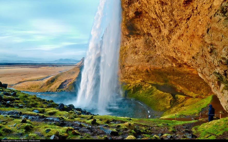 冰島南部瀑布五月