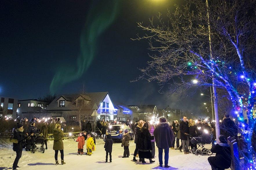 Glücksfall: Nordlichter am Silvesterabend in Reykjavik