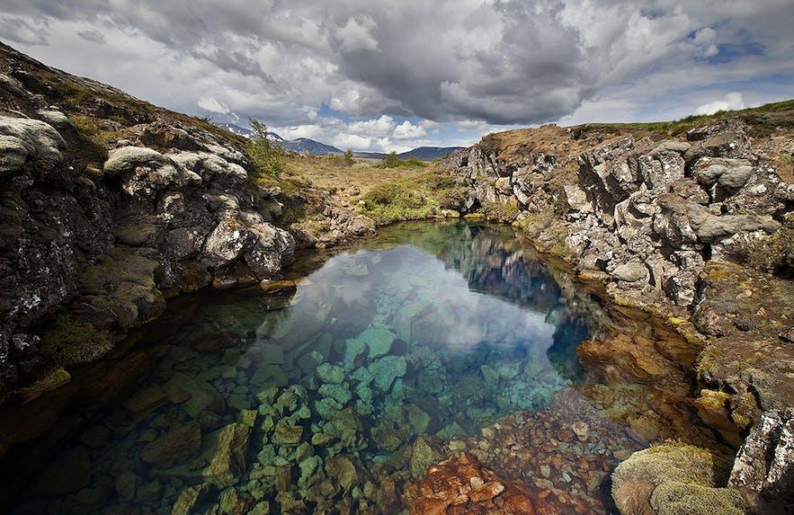 辛格维利尔国家公园丝浮拉大裂缝