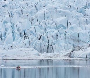 Tour en barco zodiac por la laguna glaciar de Fjallsárlón