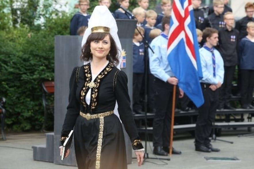 Strój ludowy Islandii jest popularną suknią ślubną