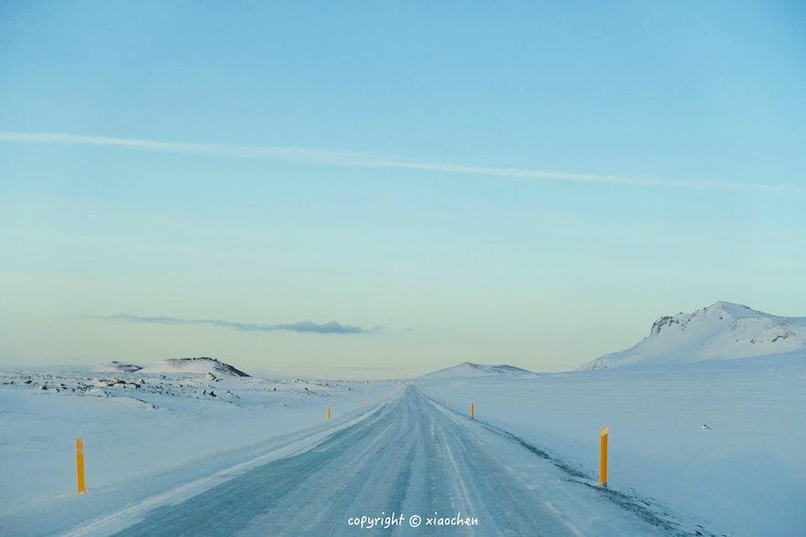 冬季在冰岛自驾的路面情况