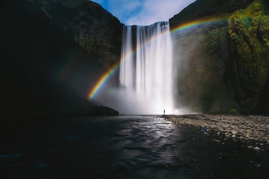 冰島彩虹瀑布