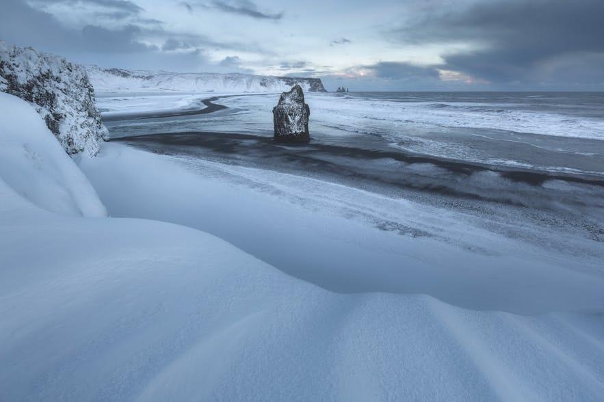 冰島冬季黑沙灘