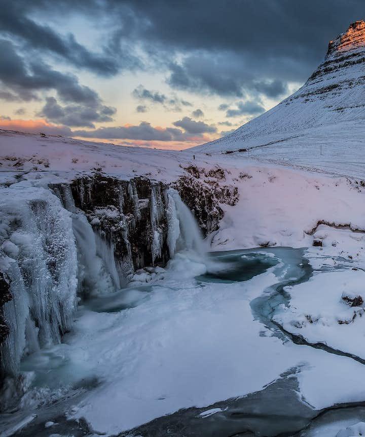 冰島冬季斯奈山半島教堂山
