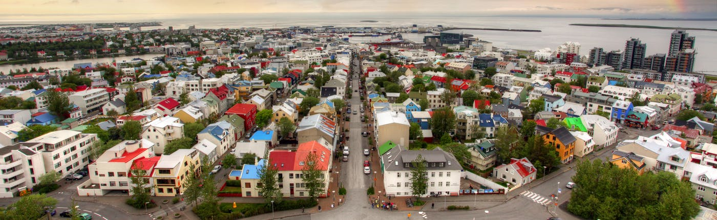 Celebrities tend to find themselves treat with respect in Reykjavík.