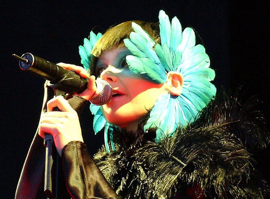 Björk preforming at the Hurricane Festival in 2003