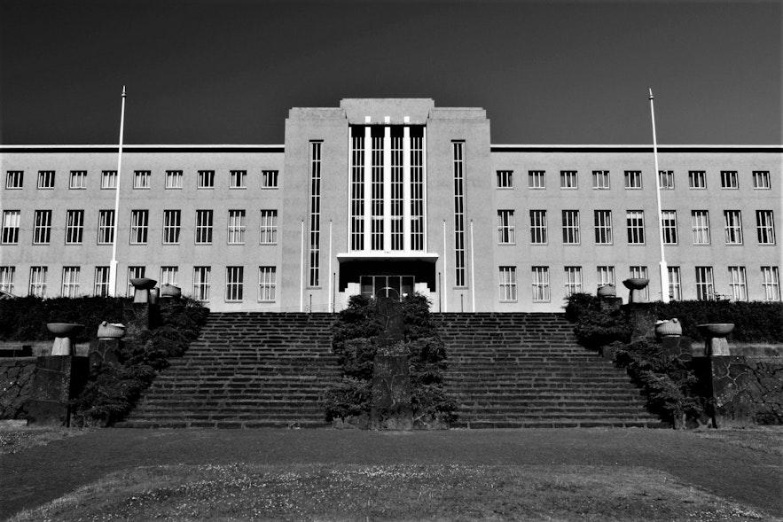 Le bâtiment principal de l'Université d'Islande