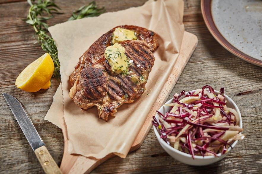 Isländisches Lamm wird allgemein als Gourmet-Fleisch bezeichnet.
