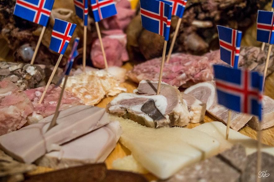 La nourriture traditionnelle islandaise ou 'þorramatur'