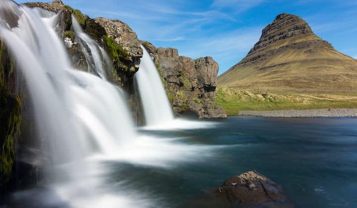 Besides the mountain of Kirkjufell is a quaint waterfall called Kirkjufellsfoss.