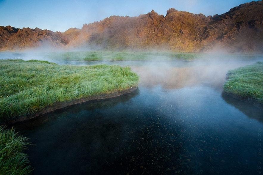 아이슬란드 란드만날라우가르에 위치한 자연 천연 온천