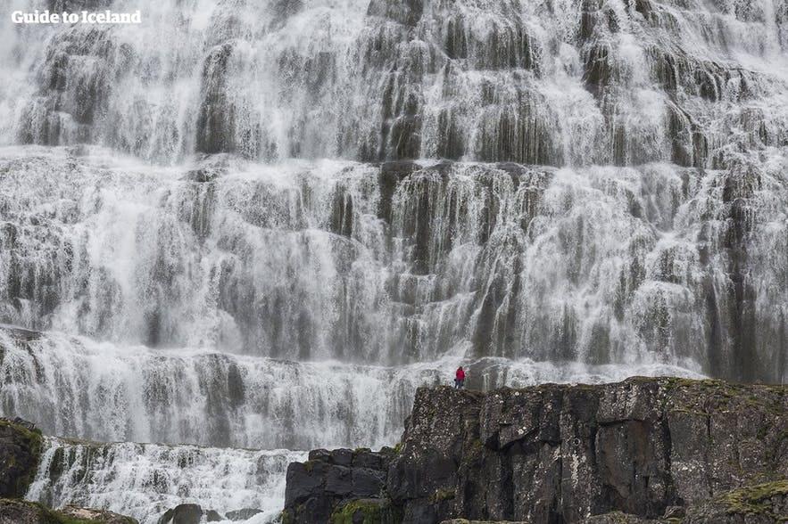 西部峽灣瀑布