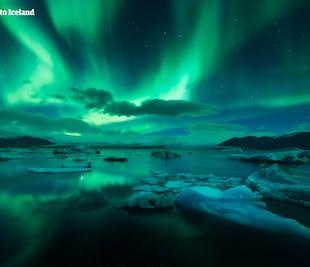 2-tägige Mietwagen-Winterreise zu den Eishöhlen, ab Reykjavik