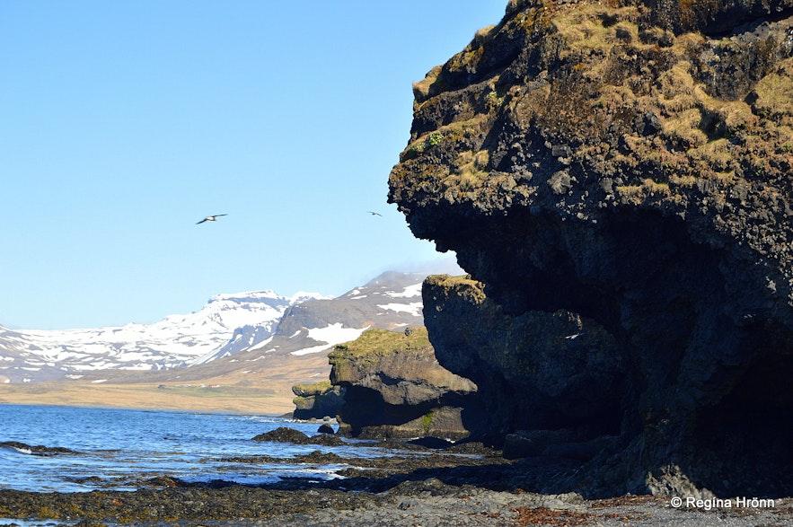 The rock giants by Ólafsvík