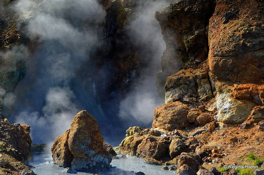 A beautiful Hike through the Nesjavellir Geothermal Area in South-Iceland