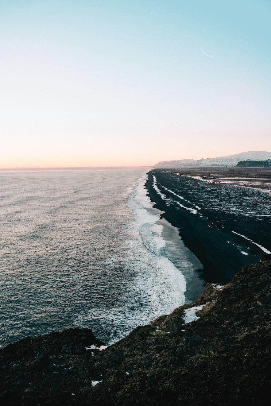 冰島黑沙灘