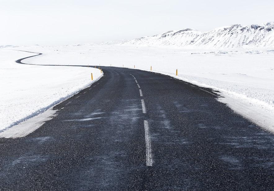 冰島雪地駕駛情況