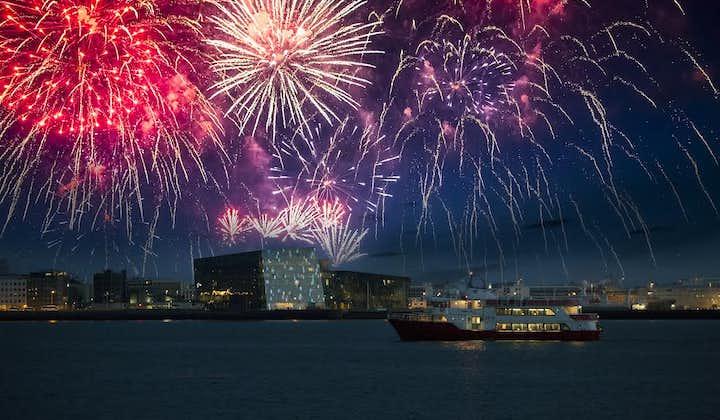 新年除夕夜跨年焰火庆祝船游