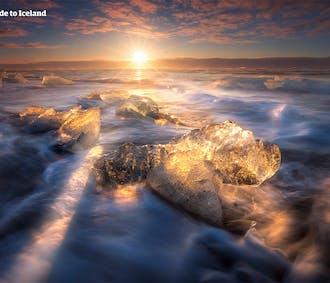 夏のセルフドライブツアー 5日間 | ヨークルスアゥルロゥン氷河湖を目指す