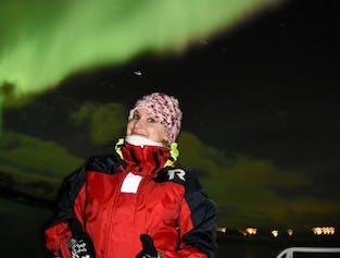 レイキャビク発|オーロラと星空を観賞するボートツアー