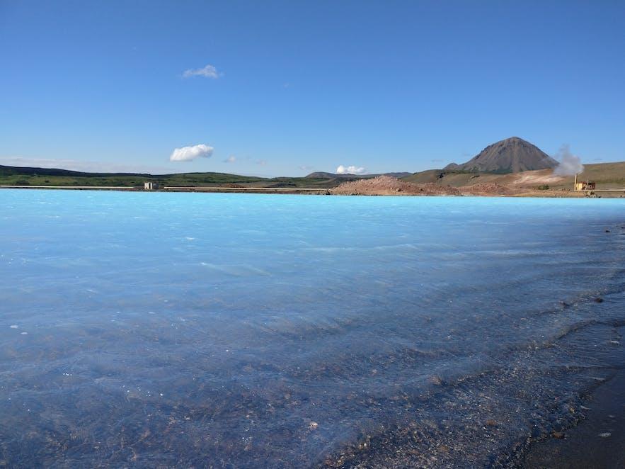 ミーヴァトン・ネイチャーバスの近くにできた池