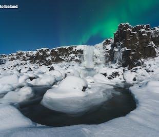 Autotour hiver de 4 jours | Geysers, glaciers et plage de sable noir