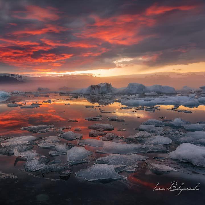セルフドライブツアー3日間   ゴールデンサークルからヨークルスアゥルロゥン氷河湖へ