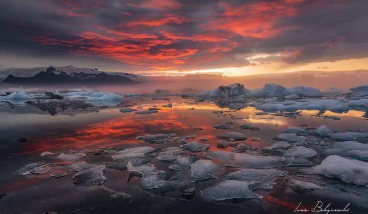 Nothing beats sunset views over Jökulsárlón glacier lagoon