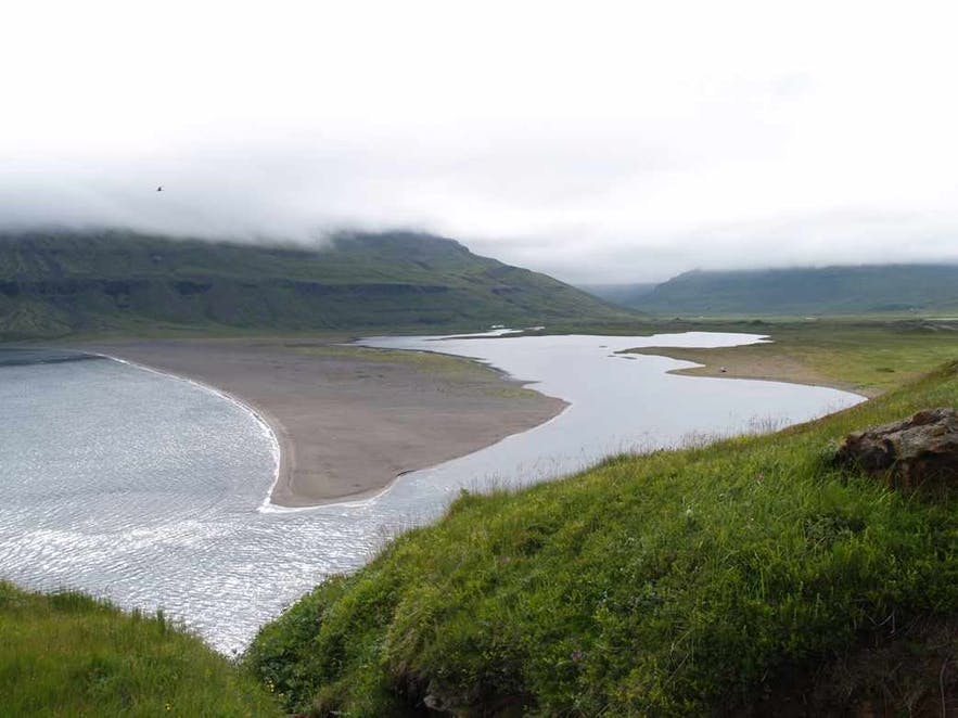 Picture of Loðmundarfjörður is public domain from Wikimedia Creative Commons.