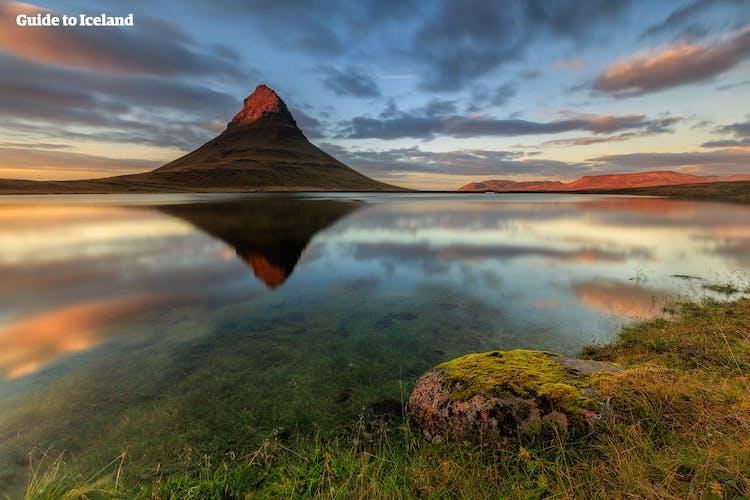 キルキュフェルの山は、スナイフェルネス半島だけでなくアイスランドの中でも特に有名な山だろう
