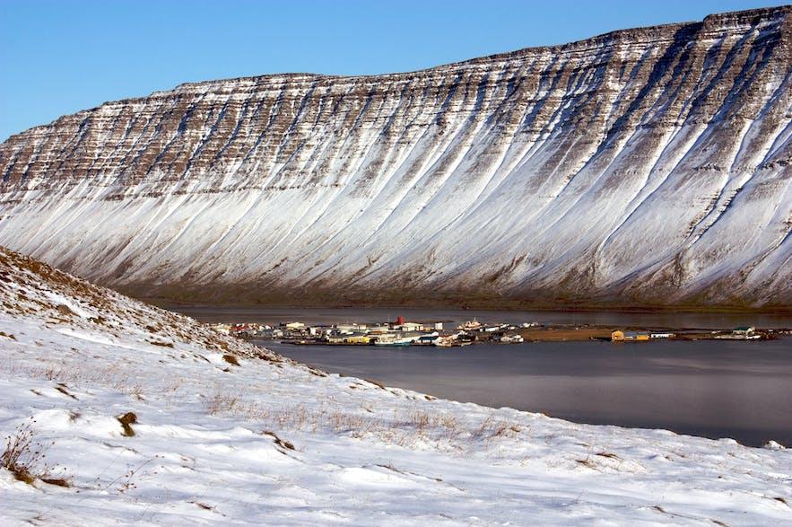 冰岛西峡湾图片,照片来自摄影师 'Bjarki Sigursveinsson' 维基百科