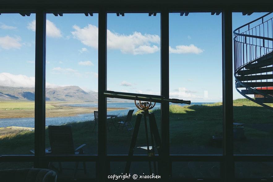冰岛西部斯奈山Hotel Budir美丽的酒店大堂落地窗