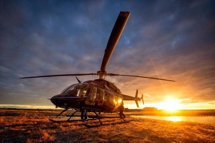 What are the most popular sightseeing spots for helicopter rides in Iceland?