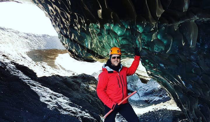 """3-godzinna wycieczka """"Fast Track"""" organizowana Super Jeepem do jaskini lodowej z transferem z Vik"""